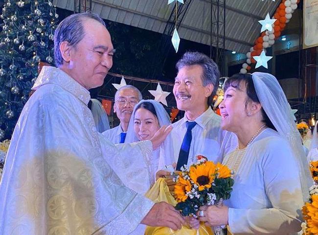Danh ca Hương Lan bất ngờ làm cô dâu ở tuổi 63, tổ chức hôn lễ tại nhà thờ Ba Giồng, Tiền Giang - Ảnh 2.