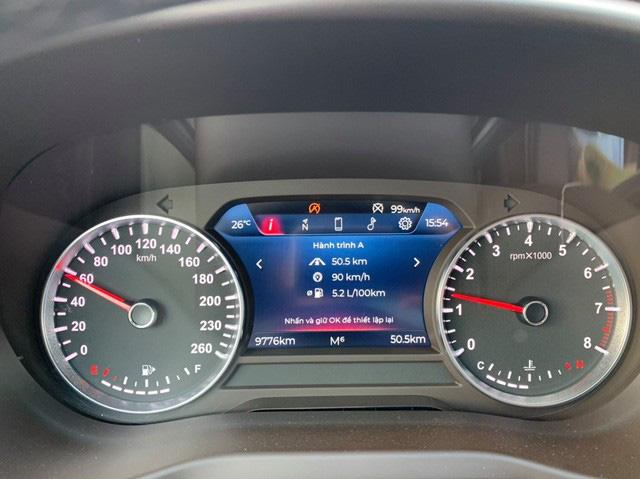 Giá xe VinFast Lux A2.0 chạy lướt hạ nhiệt, xe mới mua 3 tháng bán rẻ ngang Toyota Altis 2020 - Ảnh 3.