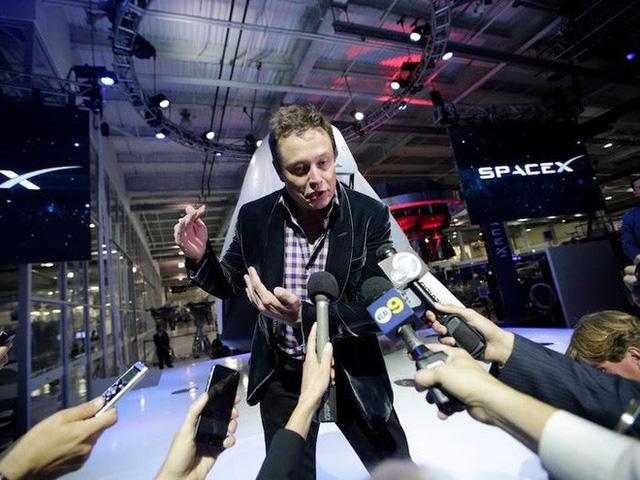 photo 6 1582641651499834208370 Một ngày làm việc của tỷ phú Elon Musk diễn ra như thế nào?