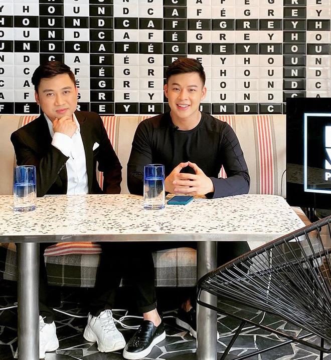 Chân dung người yêu đồng giới 8 năm của Don Nguyễn: Bảnh bất ngờ, kém hơn nửa con giáp nhưng thích lái máy bay - Ảnh 2.