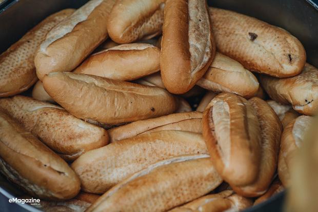 Bánh mì Việt Nam bất ngờ phủ sóng khắp nơi, dân tình thi nhau 'minh oan' cho món street-food lừng danh thế giới - ảnh 8