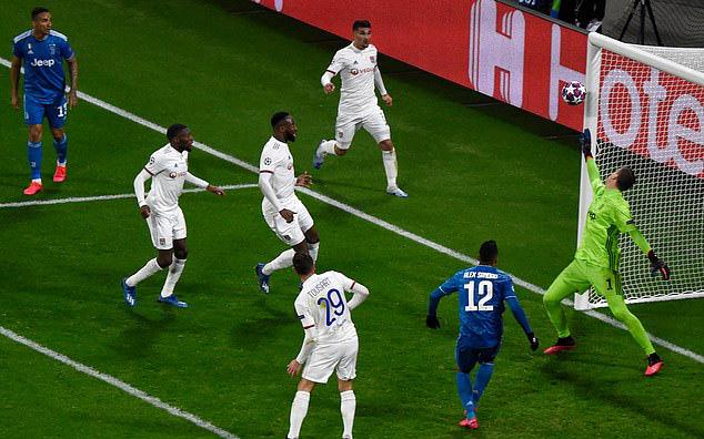 Ronaldo bần thần vì bại trận; Man City ngược dòng nhấn chìm Real Madrid - Ảnh 5.