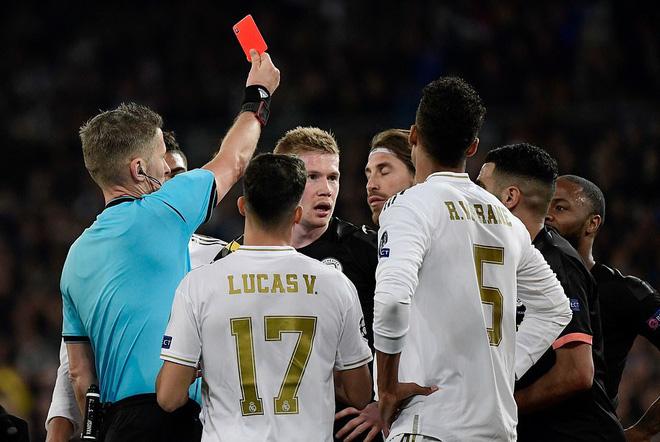 Ronaldo bần thần vì bại trận; Man City ngược dòng nhấn chìm Real Madrid - Ảnh 4.