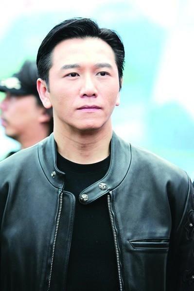 Tài tử Lộc đỉnh ký: Tuột dốc vì loạt bê bối lừa tình, lừa tiền, 51 tuổi mới được làm cha - Ảnh 4.