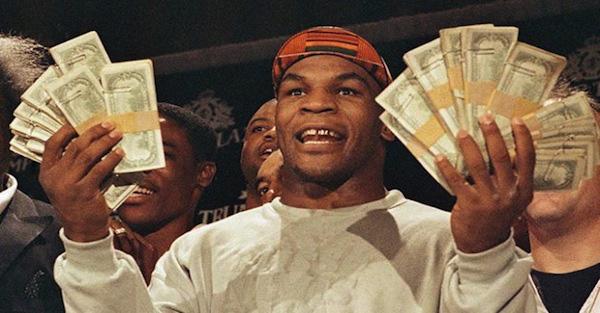 Mike Tyson: Huyền thoại sa cơ, ăn chơi trác táng và cú sốc mất con gái đau đớn - Ảnh 4.