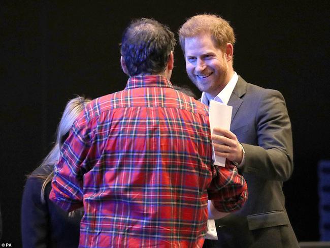 Hoàng tử nước Anh chính thức lộ diện công khai và đưa ra yêu cầu đặc biệt với mọi người: Hãy gọi tôi là Harry! - ảnh 2