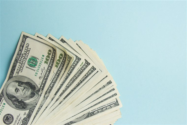 Phỏng vấn người trẻ suốt 100 tiếng đồng hồ, founder ứng dụng tài chính đúc kết 3 sai lầm cố hữu về tiền bạc ai cũng mắc: Không sửa sớm thì khó mà giàu! - Ảnh 1.