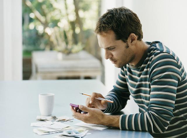 Phỏng vấn người trẻ suốt 100 tiếng đồng hồ, founder ứng dụng tài chính đúc kết 3 sai lầm cố hữu về tiền bạc ai cũng mắc: Không sửa sớm thì khó mà giàu! - Ảnh 2.