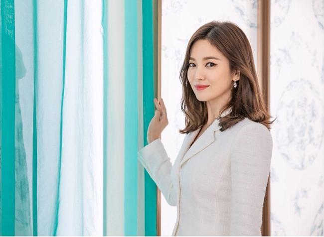 Điểm chung bất ngờ giữa bạn gái công khai và tình tin đồn của Hyun Bin: Tất cả đều sở hữu những nét nổi bật này, hóa ra gu đại úy Ri thích là như vậy - ảnh 2