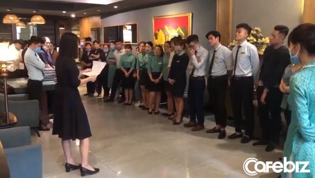 """""""Ngấm đòn"""" Covid-19, gom trả tiền điện còn khó khăn, một khách sạn tại Hà Nội buộc phải cho nhân viên nghỉ việc 4 tháng: Trợ cấp 1,5 triệu đồng/người/tháng, lương sếp cũng như nhân viên - Ảnh 1."""