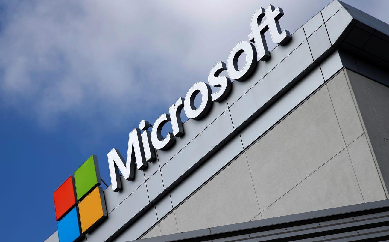 Cựu kỹ sư Microsoft trộm 10 triệu USD để mua biệt thự và xe điện Tesla