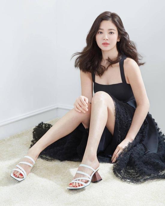 Điểm chung bất ngờ giữa bạn gái công khai và tình tin đồn của Hyun Bin: Tất cả đều sở hữu những nét nổi bật này, hóa ra gu đại úy Ri thích là như vậy - ảnh 11