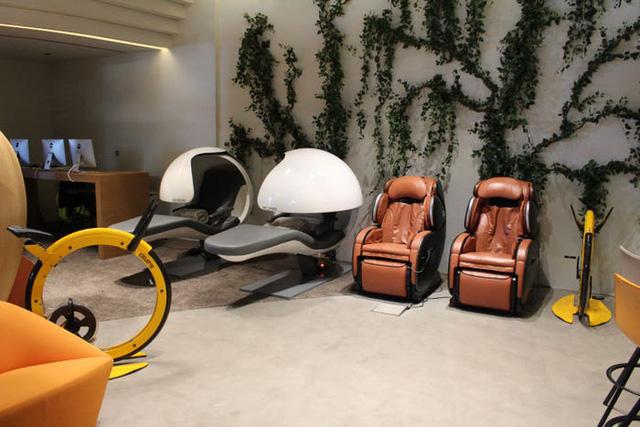 Một ngày trải nghiệm bên trong phòng chờ VIP dành cho giới siêu giàu tại sân bay Dubai: Tốn 11.000 USD/h tiền bay nhưng đáng từng đồng tiền bát gạo! - Ảnh 17.