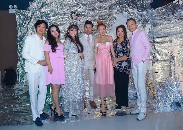 Lương Bằng Quang đăng ảnh cưới bên Ngân 98, netizen ồ ạt chúc mừng nhưng vẫn bán tín bán nghi - Ảnh 3.