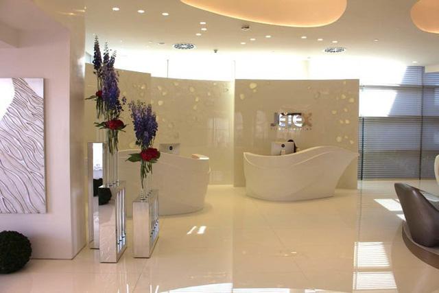 Một ngày trải nghiệm bên trong phòng chờ VIP dành cho giới siêu giàu tại sân bay Dubai: Tốn 11.000 USD/h tiền bay nhưng đáng từng đồng tiền bát gạo! - Ảnh 3.