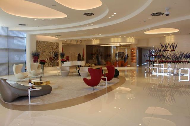 Một ngày trải nghiệm bên trong phòng chờ VIP dành cho giới siêu giàu tại sân bay Dubai: Tốn 11.000 USD/h tiền bay nhưng đáng từng đồng tiền bát gạo! - Ảnh 4.