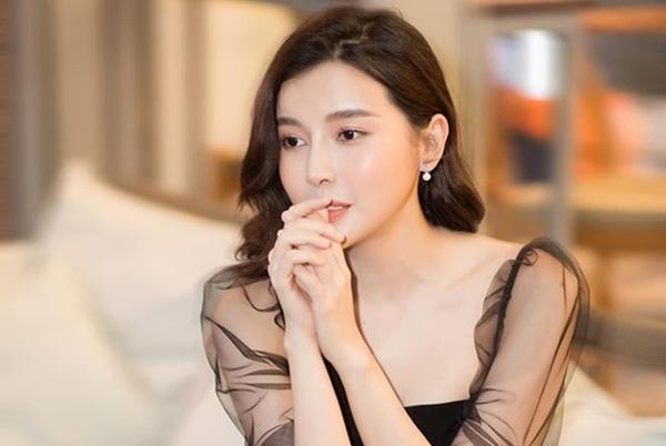 Cao Thái Hà: Tôi đã tự tử bằng cách đâm đầu vào tường, bỏ nhà đi bụi để cha mẹ không li dị - Ảnh 6.