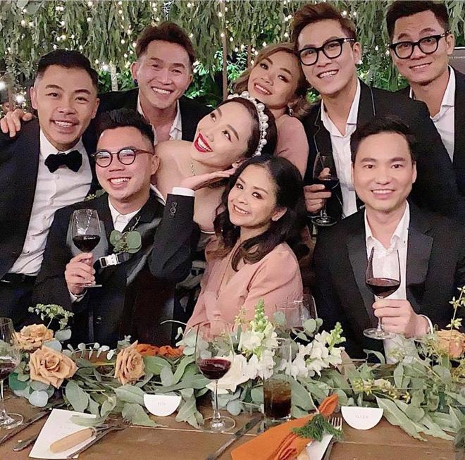 Loạt ảnh cực hiếm trong đám cưới Tóc Tiên - Hoàng Touliver cuối cùng cũng được hé lộ: Mọi khoảnh khắc hạnh phúc nhất đều có đủ! - Ảnh 9.