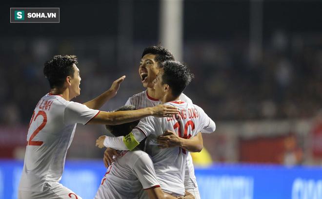 Thất bại đầu tay và mối lo kéo dài của HLV Park Hang-seo về Đoàn Văn Hậu - Ảnh 1.