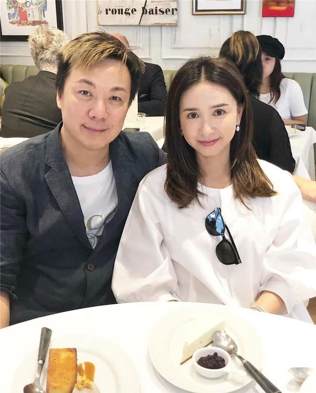 Á hậu nức tiếng Hong Kong: Đẹp khó tin ở tuổi 52 và cuộc hôn nhân 30 năm đáng ngưỡng mộ  - Ảnh 9.