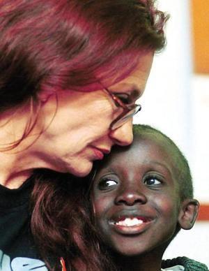 Google vinh danh Nkosi Johnson - Người hùng nhỏ có bài phát biểu khiến 10.000 người chết lặng - Ảnh 2.