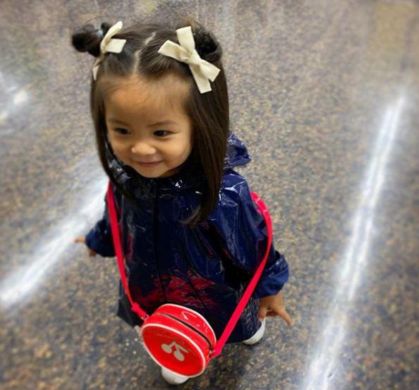 Cô bé Chanco với mái tóc xù trứ danh ngày nào nay đã lớn phổng phao và khiến nhiều người bất ngờ với hình ảnh hiện tại - Ảnh 12.
