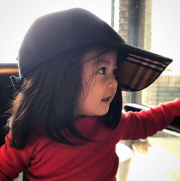 Cô bé Chanco với mái tóc xù trứ danh ngày nào nay đã lớn phổng phao và khiến nhiều người bất ngờ với hình ảnh hiện tại - Ảnh 15.