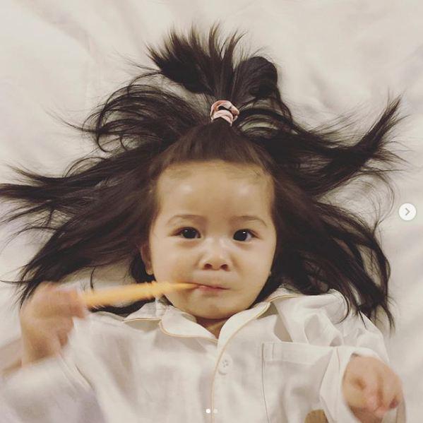Cô bé Chanco với mái tóc xù trứ danh ngày nào nay đã lớn phổng phao và khiến nhiều người bất ngờ với hình ảnh hiện tại - Ảnh 16.