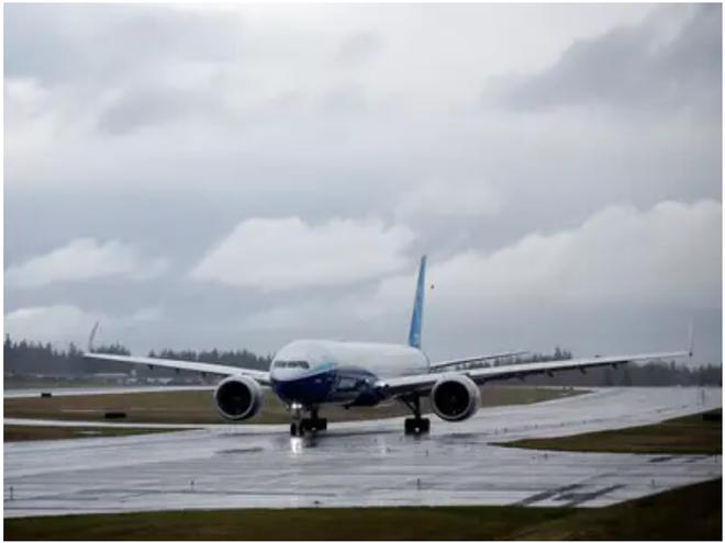 777X: flagship khổng lồ mới của Boeing vừa thực hiện thành công chuyến bay đầu tiên - Ảnh 17.