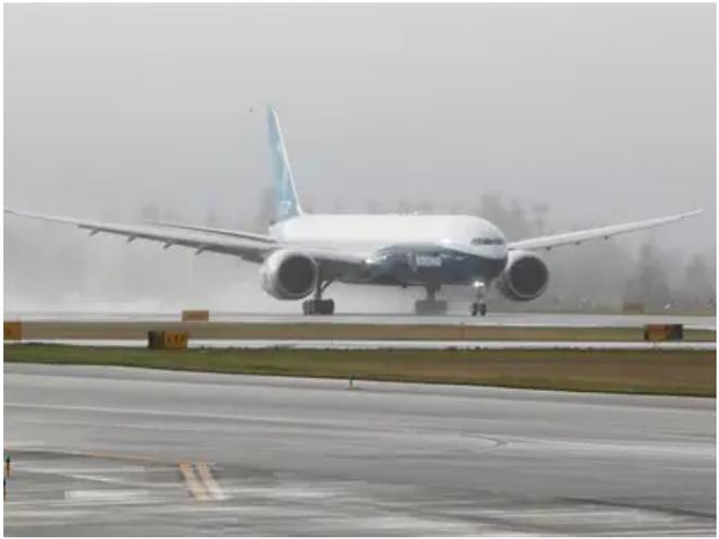 777X: flagship khổng lồ mới của Boeing vừa thực hiện thành công chuyến bay đầu tiên - Ảnh 7.