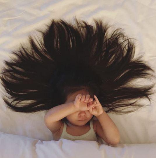 Cô bé Chanco với mái tóc xù trứ danh ngày nào nay đã lớn phổng phao và khiến nhiều người bất ngờ với hình ảnh hiện tại - Ảnh 8.