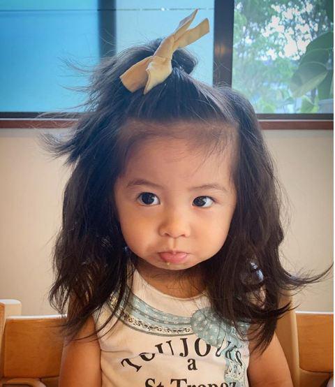 Cô bé Chanco với mái tóc xù trứ danh ngày nào nay đã lớn phổng phao và khiến nhiều người bất ngờ với hình ảnh hiện tại - Ảnh 9.