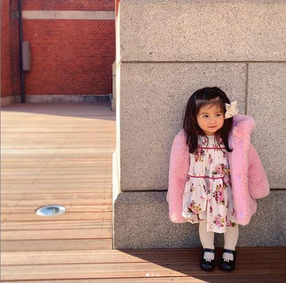 Cô bé Chanco với mái tóc xù trứ danh ngày nào nay đã lớn phổng phao và khiến nhiều người bất ngờ với hình ảnh hiện tại - Ảnh 10.