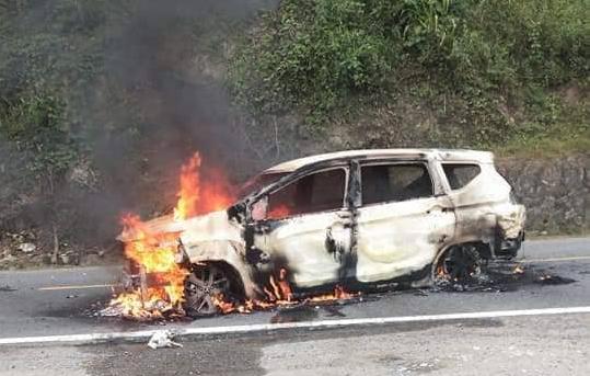 Hiện trường chiếc xe ô tô Xpander phát nổ khiến 2 người tử vong - Ảnh 4.