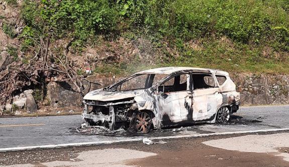Hiện trường chiếc xe ô tô Xpander phát nổ khiến 2 người tử vong - Ảnh 6.