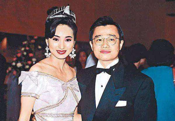 Hoa hậu châu Á gợi cảm nức tiếng: Bị chồng ruồng bỏ vì ngoại tình, U60 vẫn khoe hình thể - Ảnh 2.