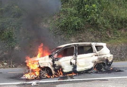 Hiện trường chiếc xe ô tô Xpander phát nổ khiến 2 người tử vong - Ảnh 2.
