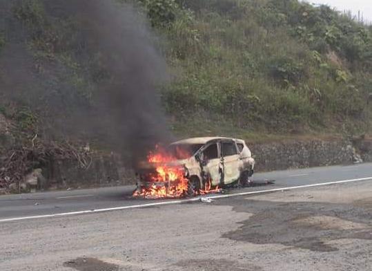 Hiện trường chiếc xe ô tô Xpander phát nổ khiến 2 người tử vong - Ảnh 1.