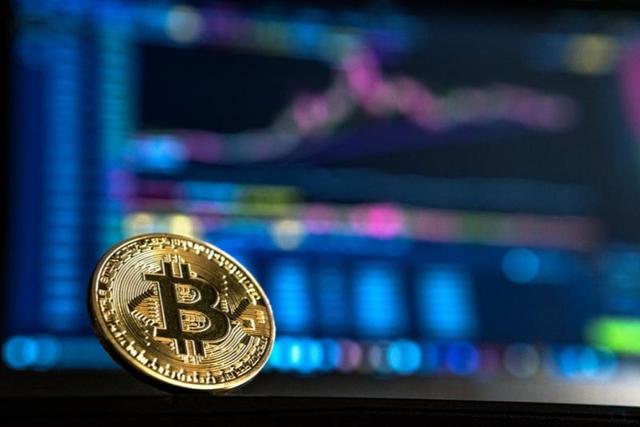 Bitcoin tăng vọt, sắp chạm 10.000 USD - Ảnh 1.