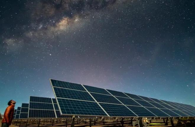 Đã có cách chế tạo pin năng lượng có thể tạo ra điện vào ban đêm mà không cần tới ánh sáng Mặt Trời - Ảnh 4.