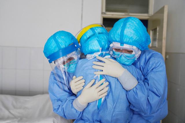 Bộ Y tế khuyến cáo: 6 lưu ý  phòng dịch bệnh virus corona tại nơi làm việc - Ảnh 1.