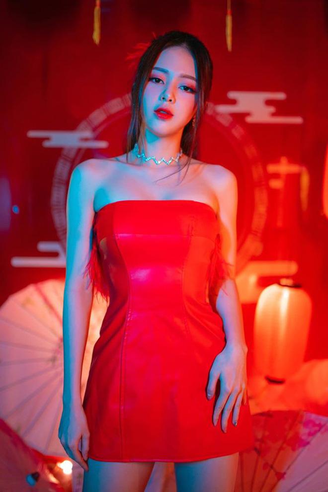 Nữ ca sĩ sexy từng khiến Trịnh Thăng Bình yêu say đắm nhưng không dám công khai giờ ra sao? - Ảnh 4.