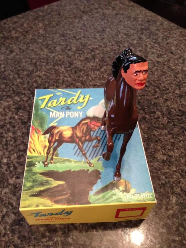Không tin được đây là những món đồ chơi cho trẻ em, đến người lớn chỉ nhìn thôi cũng hoảng sợ - Ảnh 2.