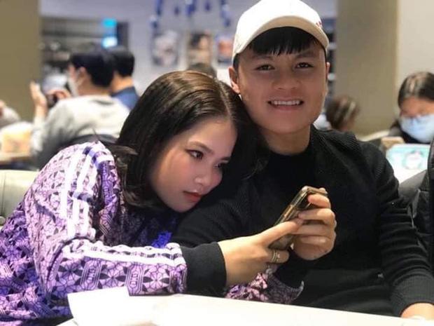 Vừa lộ ảnh tình tứ dựa vai, Quang Hải và cô chủ tiệm nail tiếp tục bị soi hẹn hò lãng mạn - Ảnh 3.