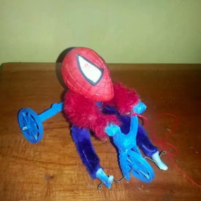 Không tin được đây là những món đồ chơi cho trẻ em, đến người lớn chỉ nhìn thôi cũng hoảng sợ - Ảnh 3.