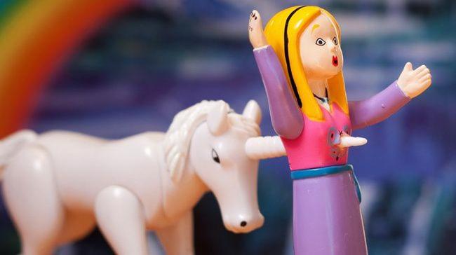 Không tin được đây là những món đồ chơi cho trẻ em, đến người lớn chỉ nhìn thôi cũng hoảng sợ - Ảnh 9.