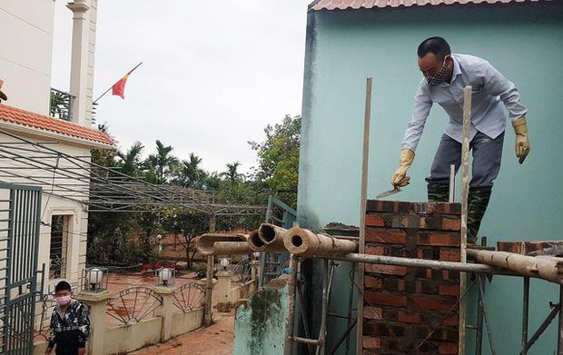 Thuốc khử trùng bao trùm làng quê có nhiều người nhiễm nCoV nhất cả nước - Ảnh 9.