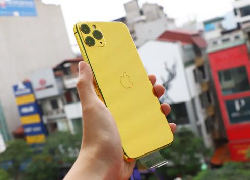 Sốc với điện thoại iPhone Pro Max mạ vàng 24K có giá 50-60 triệu đồng - Ảnh 1.