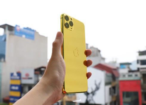 Sốc với điện thoại iPhone Pro Max mạ vàng 24K có giá 50-60 triệu đồng - Ảnh 2.