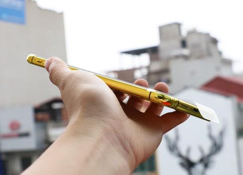 Sốc với điện thoại iPhone Pro Max mạ vàng 24K có giá 50-60 triệu đồng - Ảnh 4.